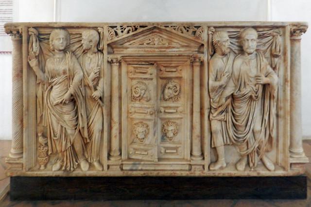 sarcófago romano del siglo III museo Alcázar de los Reyes Cristianos Cordoba