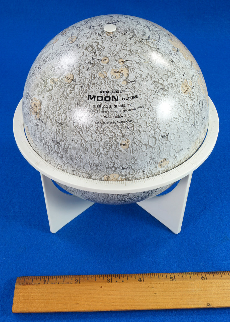 RD21967 Vintage 1970 Replogle 6 inch Moon Globe Showing Apollo 11 with Stand DSC08981