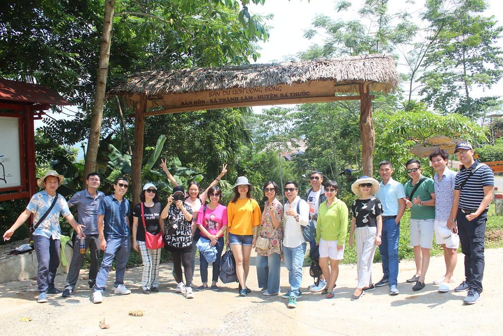 cổng khu du lịch Pù Luông