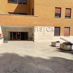 :sunrise_over_mountains: #Buongiorno Sapienza con una foto dell'Edificio di Fisica Guglielmo Marconi di @ginevrafulco ・・・  #Goodmorning from the Guglielmo Marconi Physics Building ・・・ #Repost: «miss this place :back: @_sil.via» ・・・ #repostSapienza #Immagi