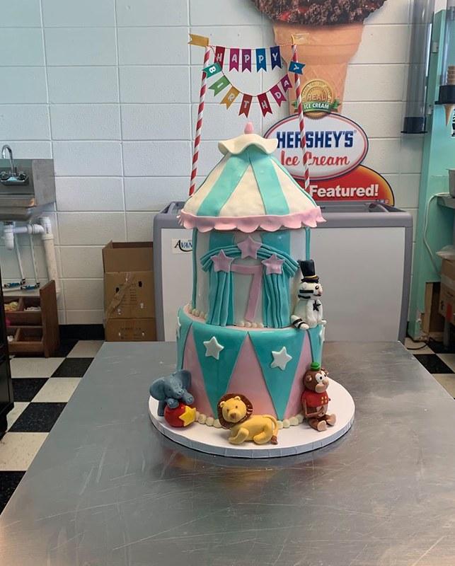 Cake by Carolina's Cupcakes