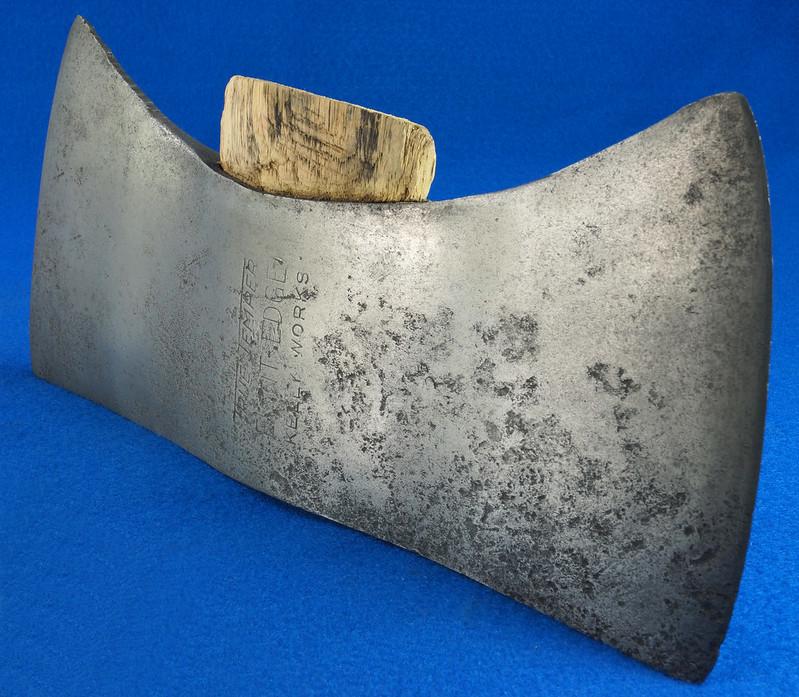 RD27168 Vintage KELLY WORKS True Temper Flint Edge Double Bit Axe Head DSC09015