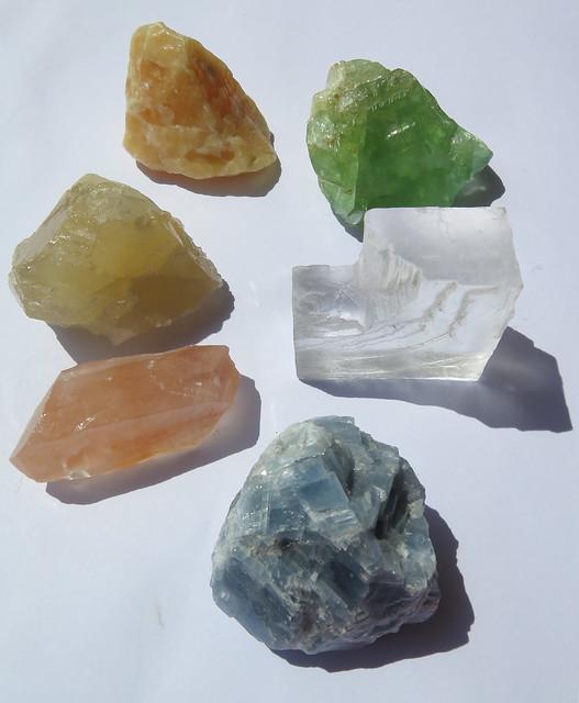 United colours of calcite