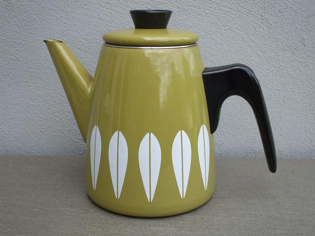 Vintage Catherine Holm Advocado Green Enamel Lotus Design  Coffee Pot Mid Century Modern Car Boot Sale Find