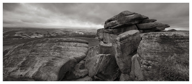 Rocky outcrop at Stanage Edge(6)