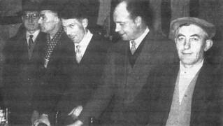 Les responsables d'une association tenant le bar de la Grenette pendant un bal