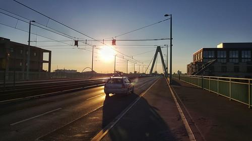 june bridge köln cologne colonia sun street streephotography sommer sonne summer sunrise holliday