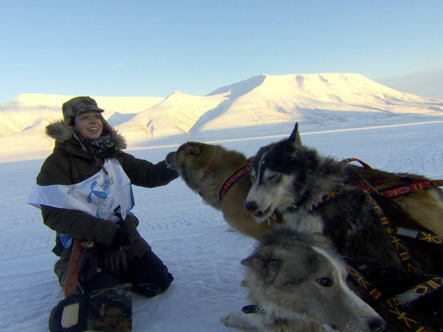 Dokumentari Cabaran Manusia Hidup Di Gunung Salji Dalam Ice Town: Life On The Edge