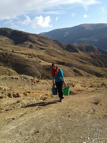 Bolívia. nesenie vody