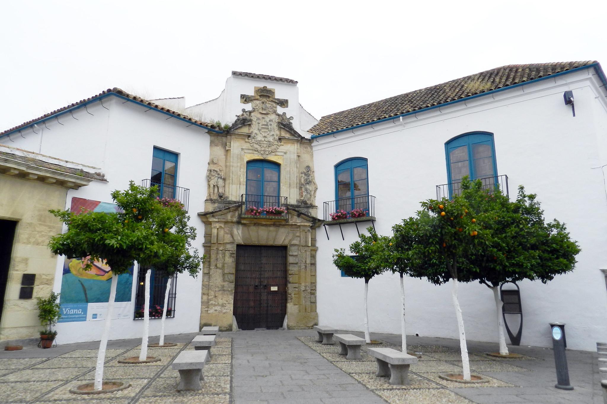 portada exterior entrada al Palacio de Viana Cordoba España