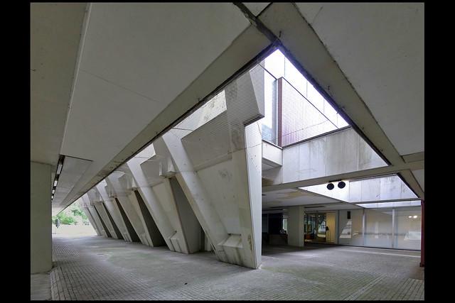 DE marl sculpturenmuseum 07 1967 vd broek_bakema (creiler pltz)