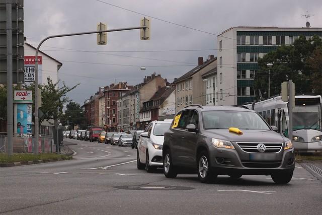Findet den Täter! Autokorso gegen Rassismus in Kassel