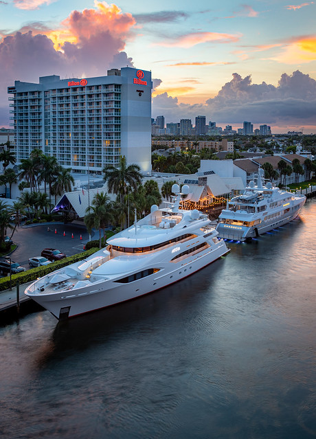 Yachts Avalon & Chasseur - Fort Lauderdale