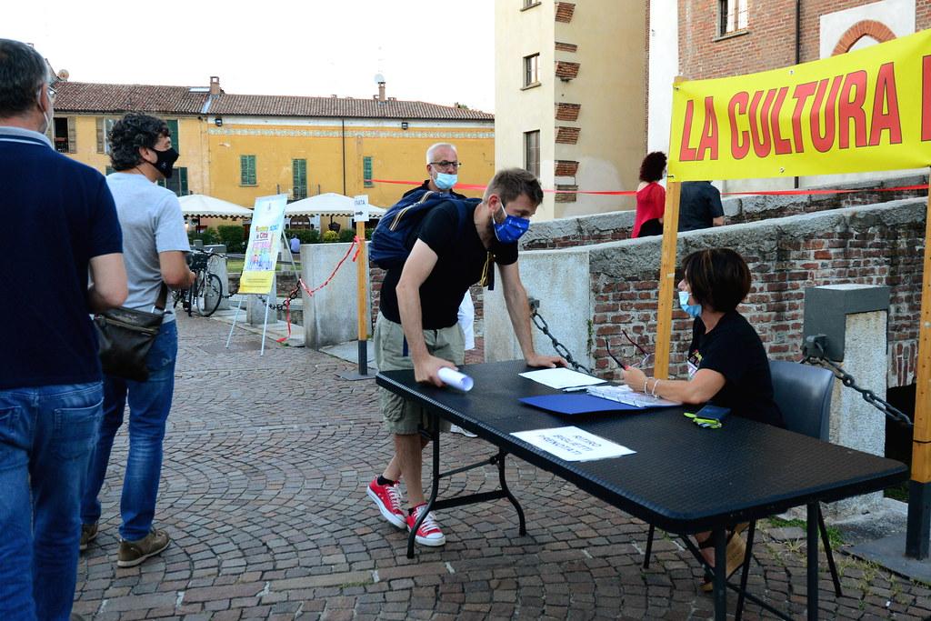 RESTATE IN CITTA' - SERATA CABARET - RICOMINCIO DA QUI - DI E CON SERGIO SGRILLI  04 LUGLIO 2020 Foto A. Artusa