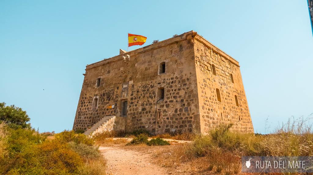 Torre de San José, una de las cosas que ver al visitar la isla de Tabarca