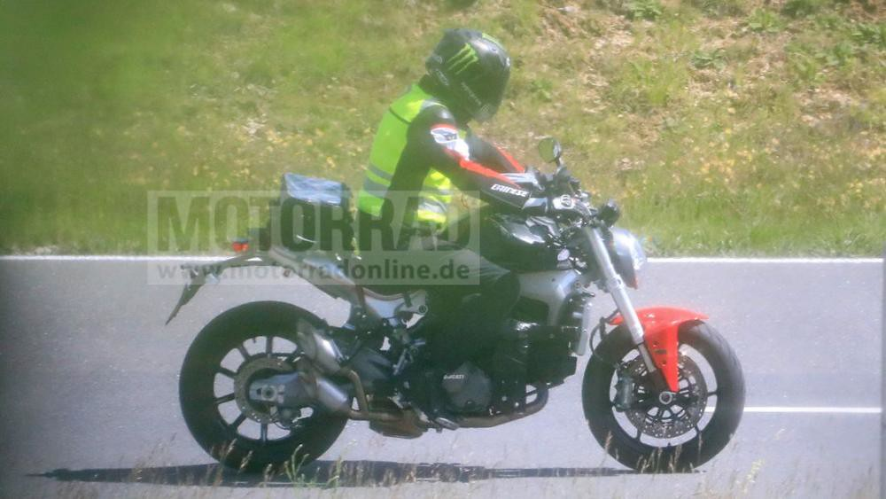 Ducati Monster 2021 Spyshots
