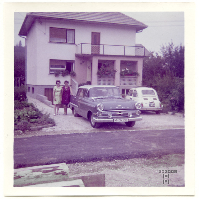 ArchivTappenX725 Zwischenhalt, Opel Kapitän, 1970er