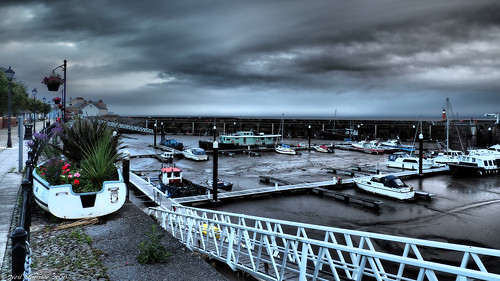 neilmoralee neilmoraleeolympus boats harbor harbour sky cloud color colour flowers boat ship mud sea tide watchet somerset uk damp cloudy storm stormy olympus omd em5 neil moralee morning marina marine jetty