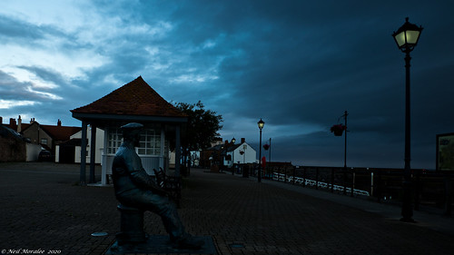 neilmoralee neilmoraleeolympus watchet somerset sky clouds street ilght lamps dark dim statue sailor olympus omd em5 uk sea ocean neil moralee colour color