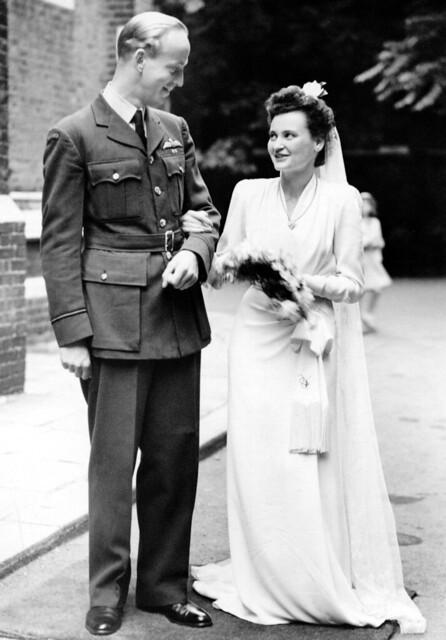 Marriage Frikkie Wiersum and Pamela Cassels, UK, 1945