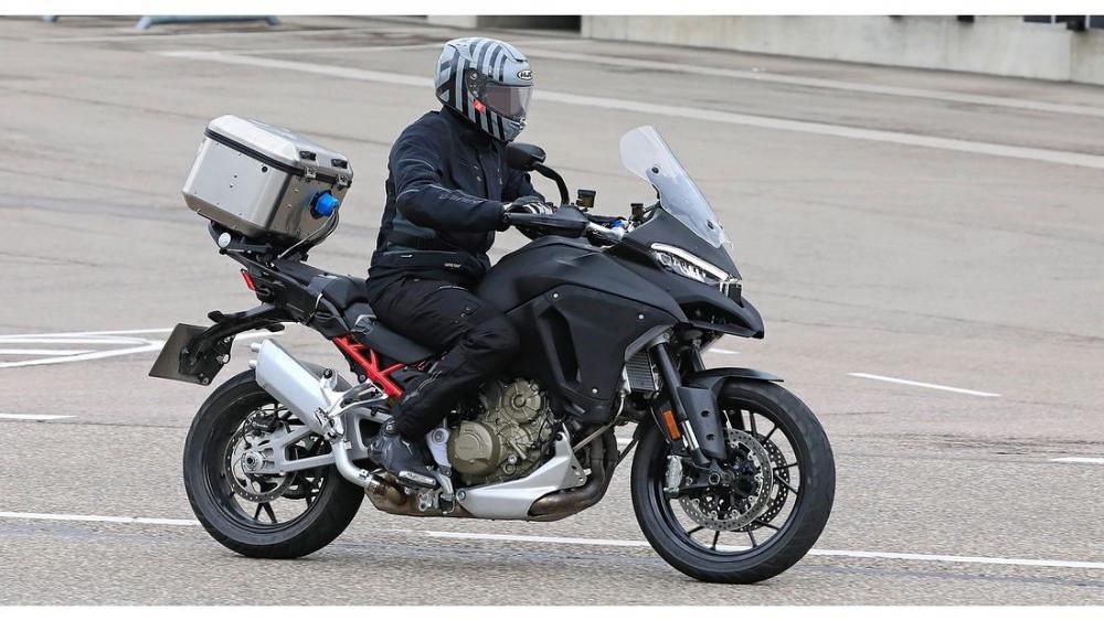 Ducati Multistrada V4 1