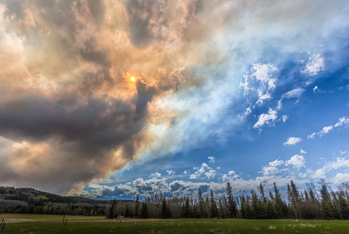 Los Alamos research reveals that wildfire smoke plumes contribute less to warming temperatures than previously thought.