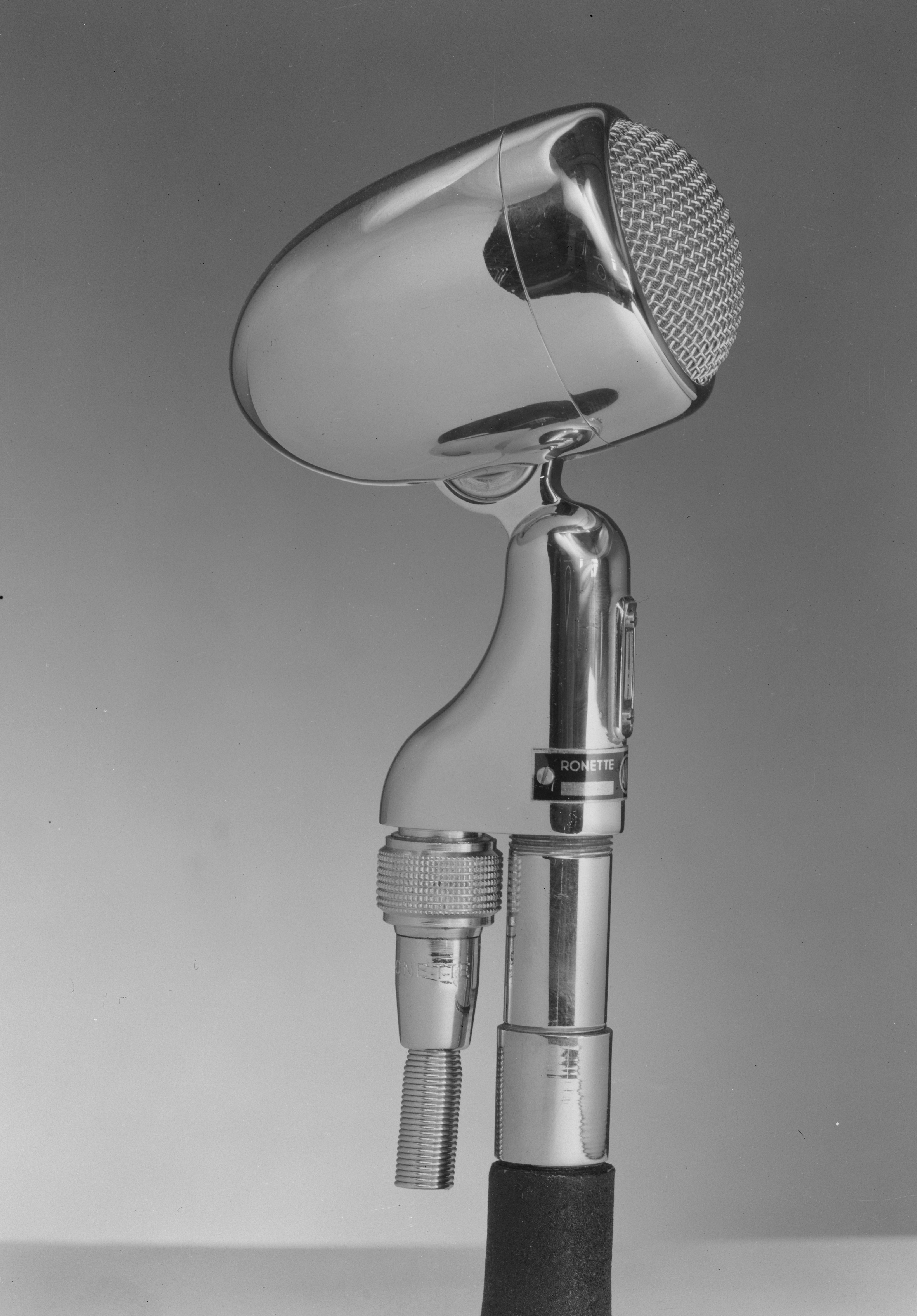 Ronette GS210 microphone, March 1953, by Max Dupain