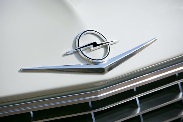Opel-logo-throughout-the-years-8