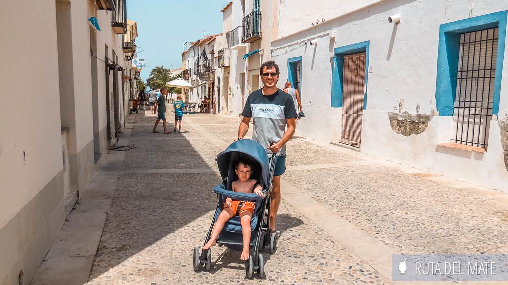 Se puede llevar carro de bebé al visitar la isla de Tabarca con niños