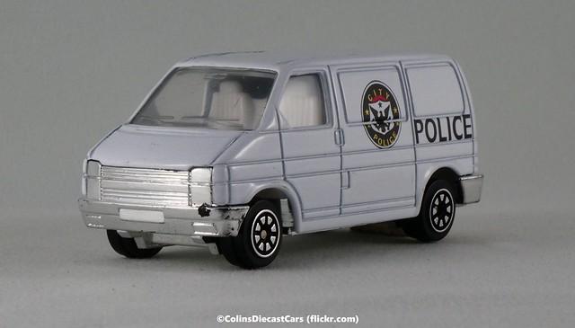 Welly - Volkswagen T4 Caravelle