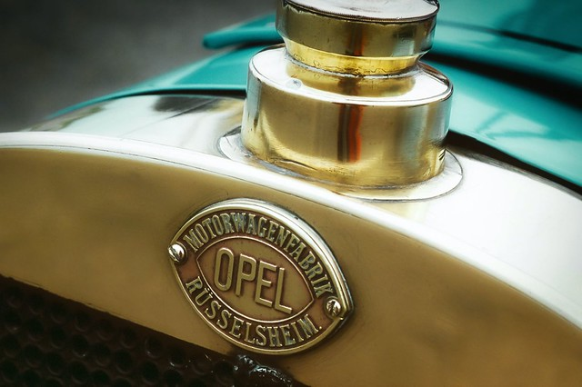 Opel-logo-throughout-the-years-5