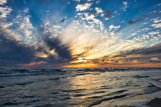 Sunset time. (Jul 09, 2020)