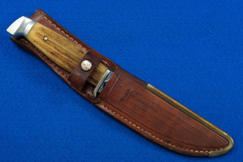 RD30609 Vintage CASE Hunting Knife Stag Handle in Leather & Brass Sheath DSC09083