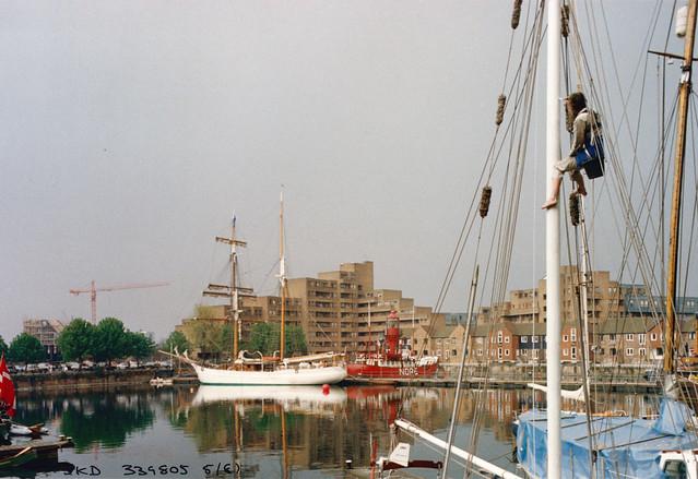 St Katherine's Dock, Tower Hamlets, 1987 TQ3380-015