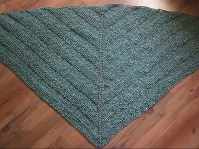 Marie (thecatsmom) knit this Simple Yet Effective Bulky by Laura Chau until it grew too big for her needles!