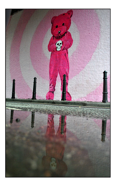 LONDON STREET ART by LUAP
