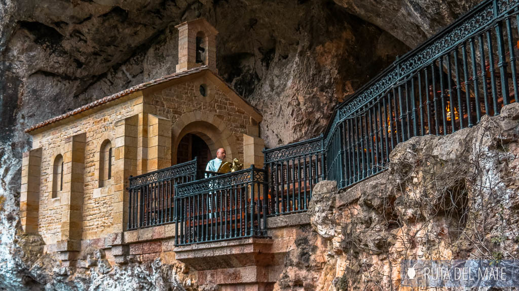 Misa en el Santuario de Covadonga