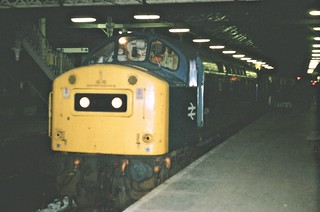 40194 / 394 Class 40 seen at Preston station on an overnight parcels train