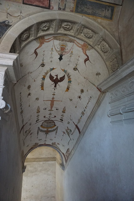 Château de Chareil-Cintrat : Escalier aux Grotesques (2e niveau)