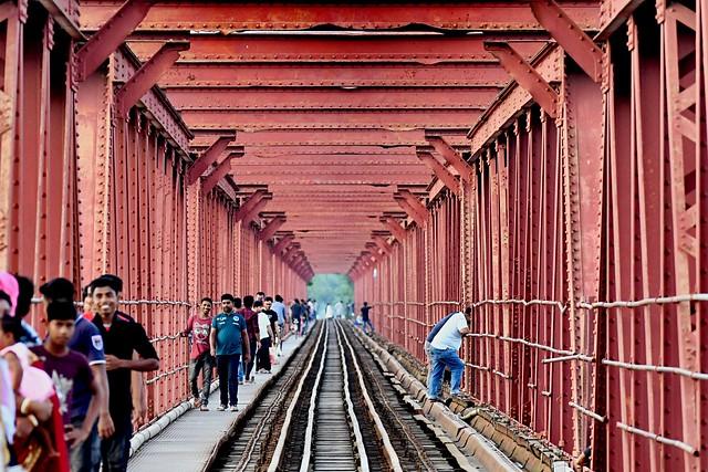 Railway Runs Parallel