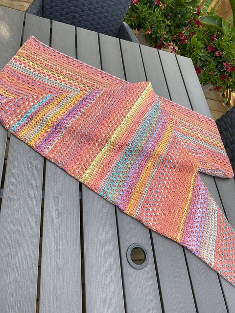 Judy, Jen's mom finished her Nightshift by Andrea Mowry in her favourite colours!! Yarn is Kelbourne Woolens Scout abd Schoppel Wolle Edition 3.