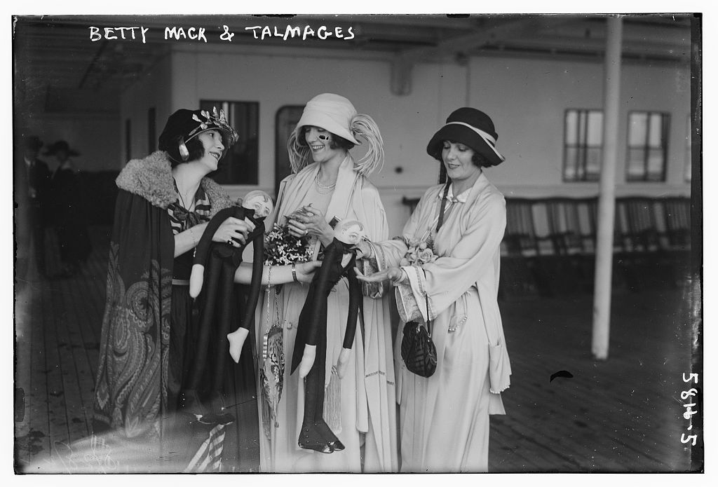 Betty Mack and Talmages [i.e. Connie and Norma Talmadge] (LOC)