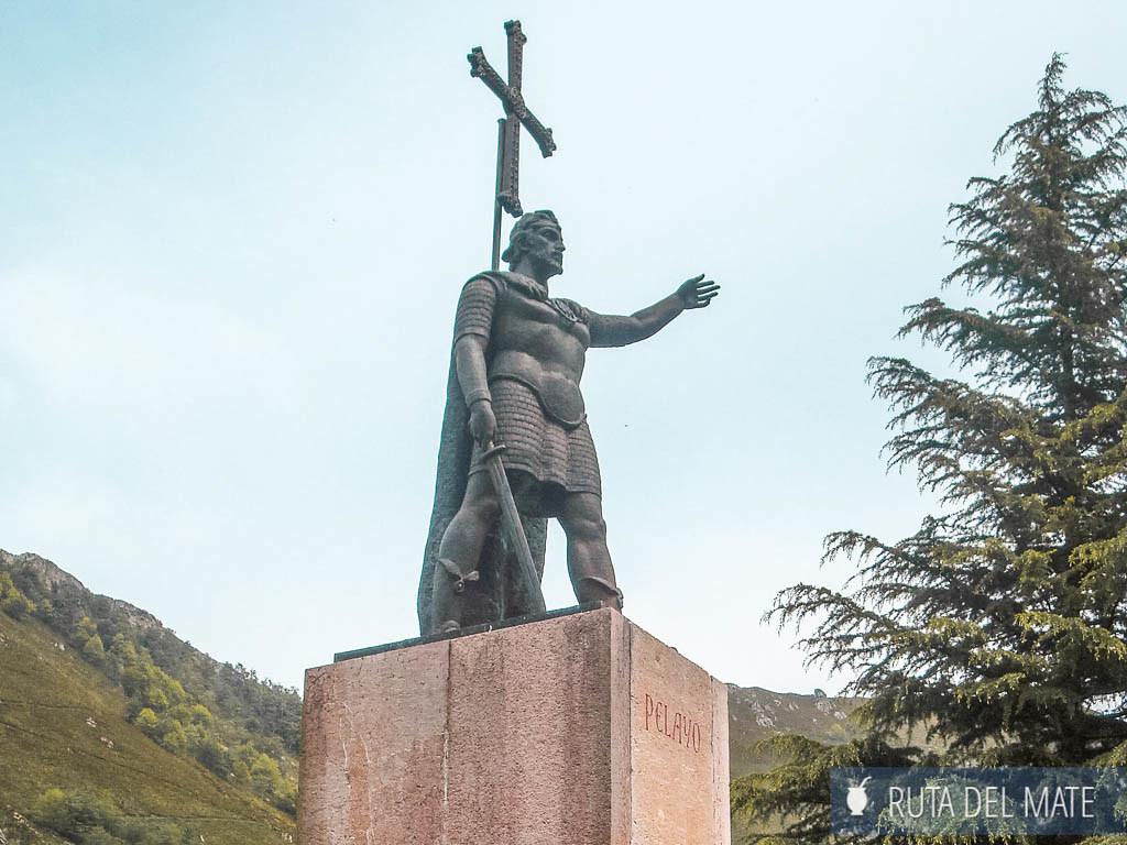Estatua Rey Pelayo