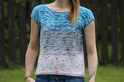 Faded Frenzy by Andrea Yetman is another faded tee pattern! This one is available for free on Ravelry from Biscotte Yarns.