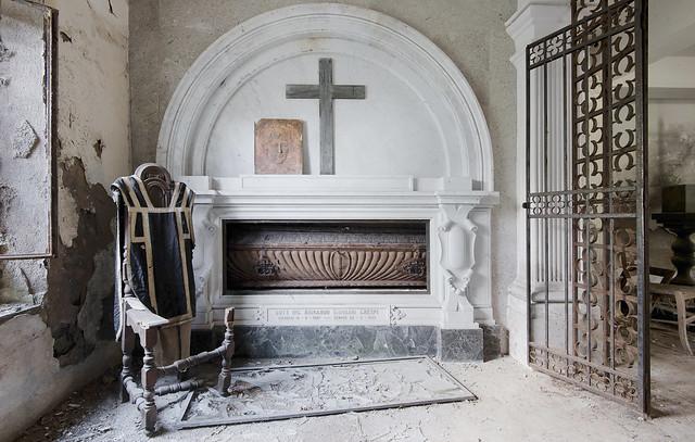 Cripta della Famiglia Crespi