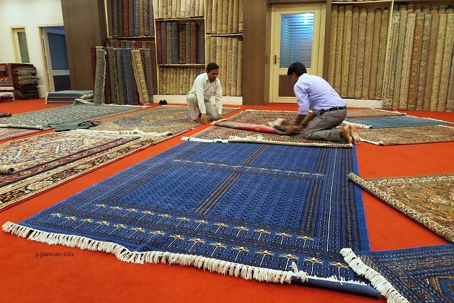 Taller y tienda de alfombras en Jaipur.