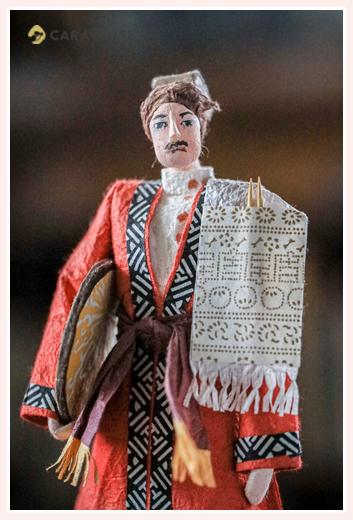 中国の少数民族(ウイグル族) | 紙人形作家、故「荻原敏子」氏の作品