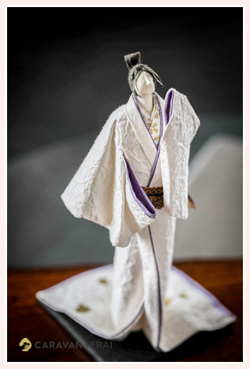 着物姿の舞う人 | 紙人形作家、故「荻原敏子」氏の作品