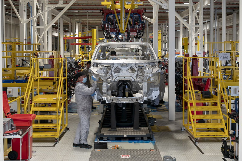 aston-martin-dbx-production-st-athan-wales-11