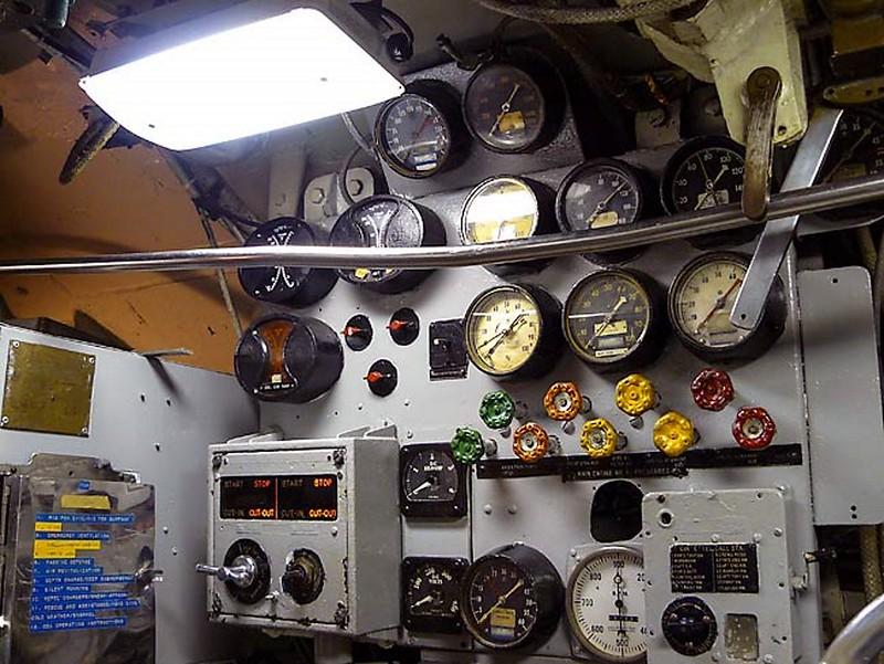 USS Becuna SS-319 6